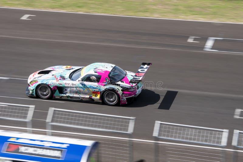 Tatsuya Kataoka van het RENNEN & TeamUKYO van GOODSMILE in Super Def. van GT stock foto's