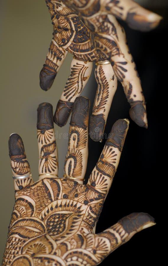 Tatuaje de la alheña en las manos fotografía de archivo