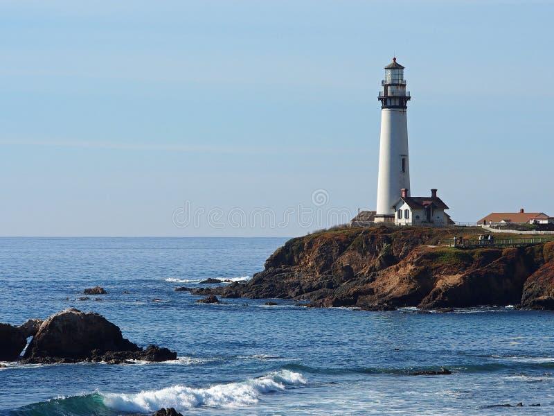 Tauben-Punkt-Leuchtturm nahe Half Moon Bay, Kalifornien stockbilder