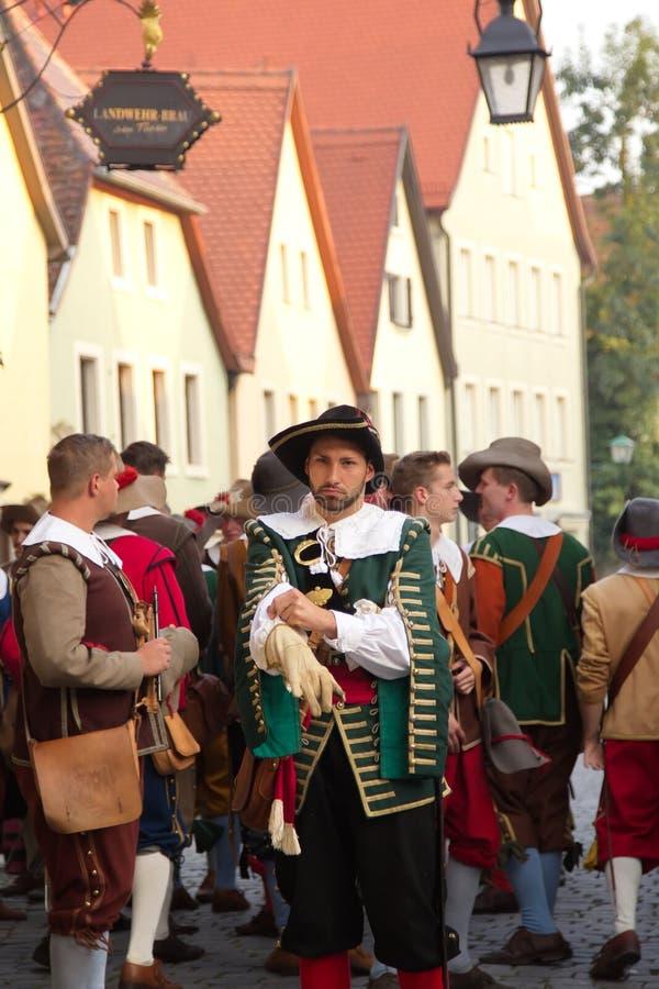TAUBER de ROTHENBURG OB DER, ALEMANIA - 5 de septiembre: Ejecutantes de t fotos de archivo libres de regalías