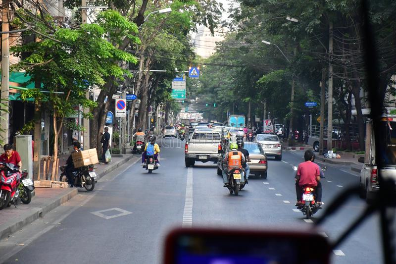 Taudis et pauvret? dans les rues de Bangkok image stock