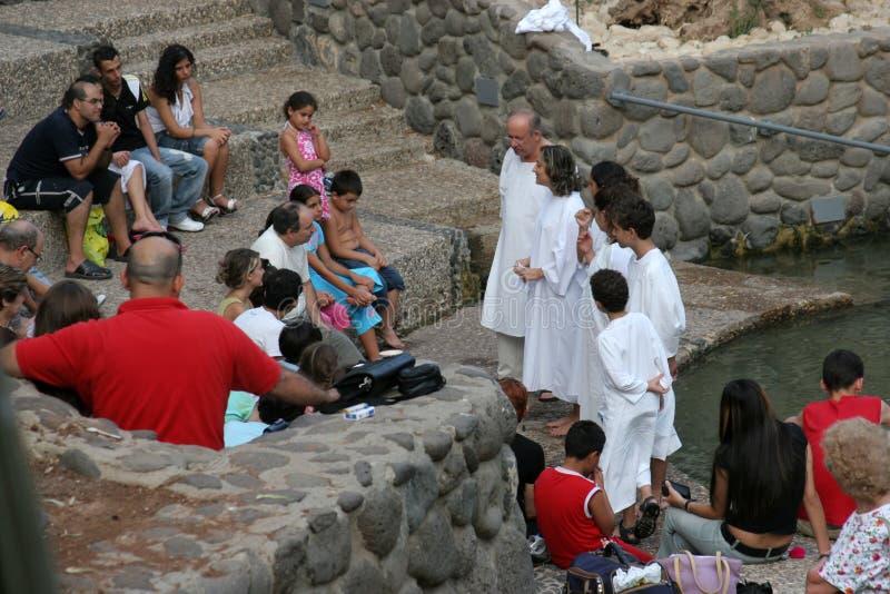 Tauf- Standort am Fluss Jordan-Ufer Taufe von Pilgern in Yardenit, Israel lizenzfreies stockbild