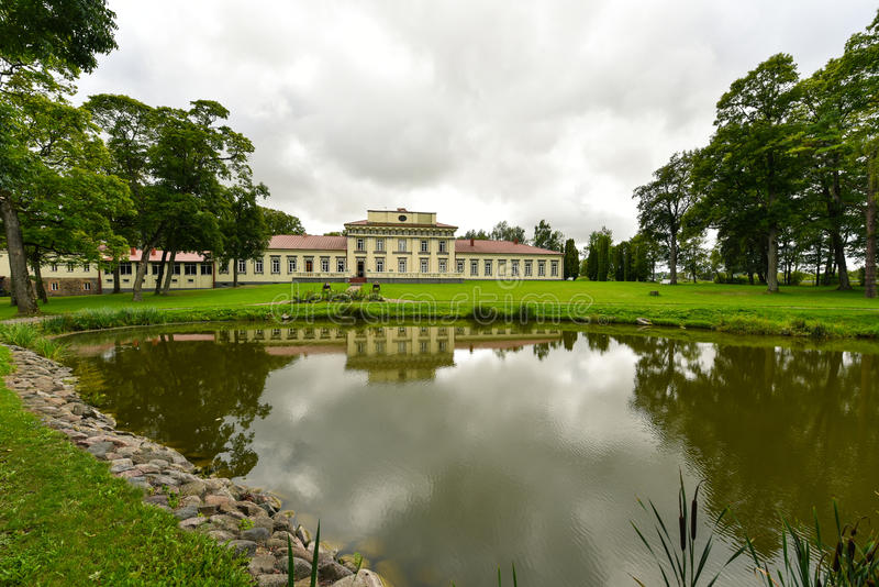 Taujenai slott, Litauen fotografering för bildbyråer