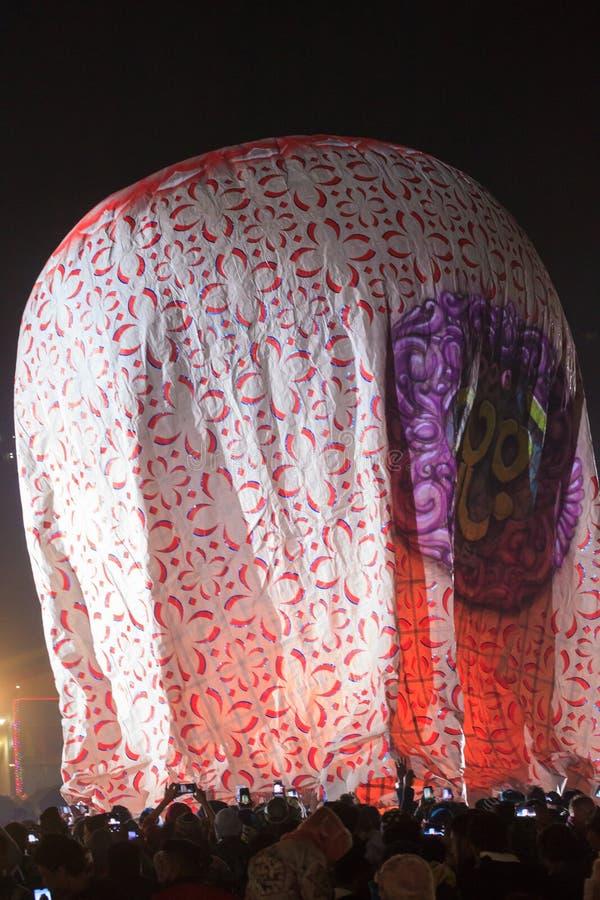 Taunngyi, Мьянма, 23-ье ноября 2018 - горячий фестиваль воздушного шара в Taunggyi фестиваль 4 дней отпраздновал ежегодное внутри стоковое фото rf