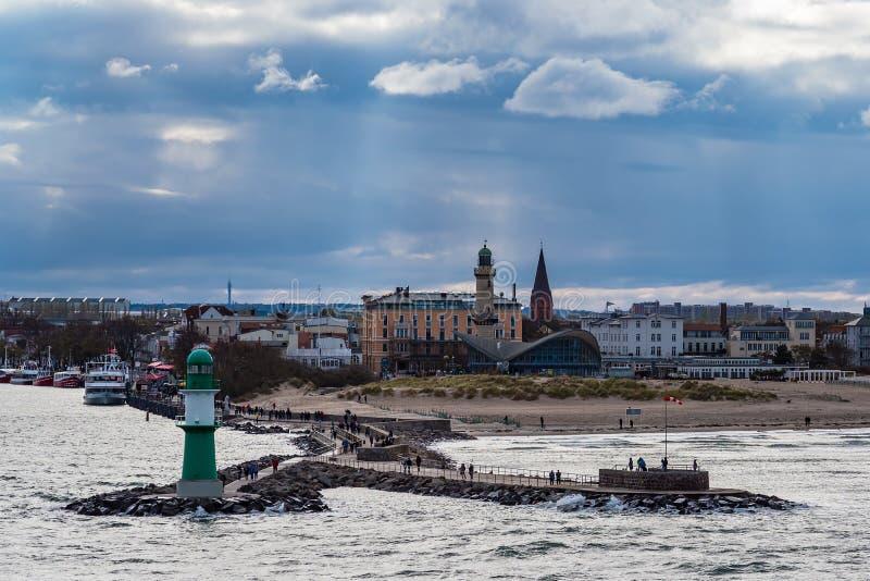 Taupe sur la côte de mer baltique dans Warnemuende, Allemagne photo libre de droits