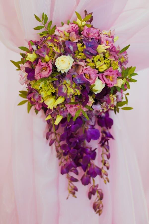 Tavola della decorazione di nozze immagini stock libere da diritti