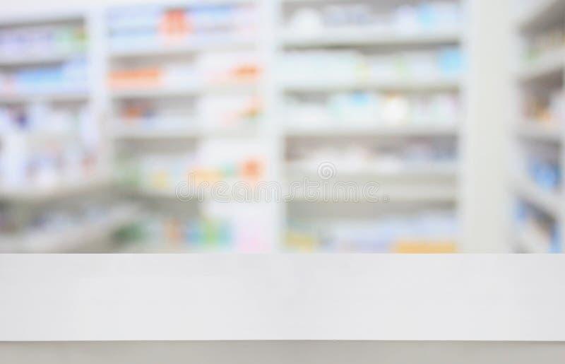 Tavola della farmacia nella farmacia della farmacia fotografia stock libera da diritti
