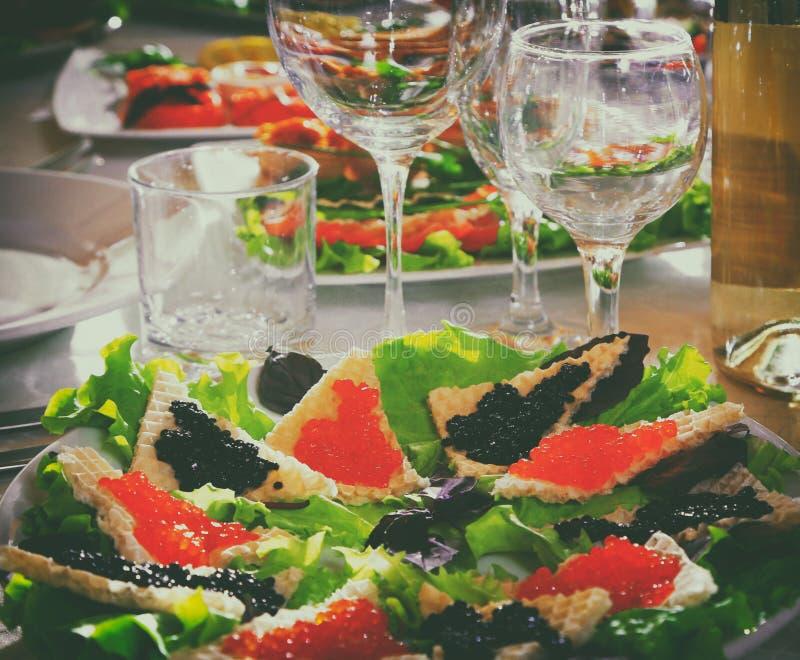 Tavola di festa, panino dell'alimento immagini stock libere da diritti