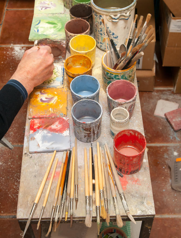 Download Tavola Di Lavoro Dell'artista Fotografia Stock - Immagine di studio, illustrazione: 55352546