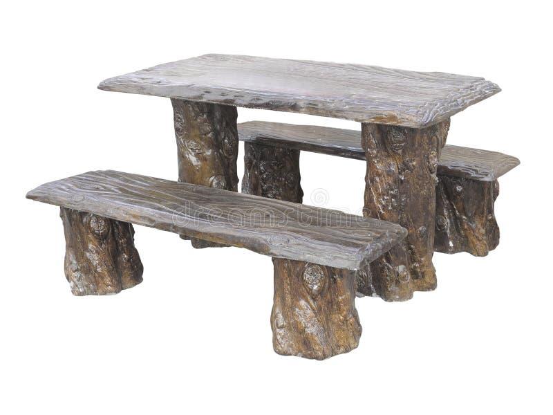 Tavola di legno e sedie dei mobili da giardino di Brown isolate sopra il whi fotografia stock libera da diritti