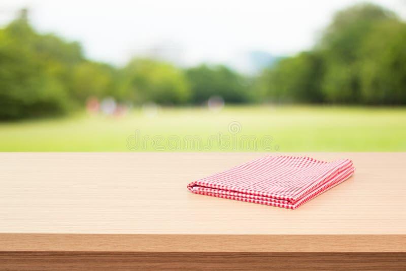 Tavola di legno vuota della piattaforma immagini stock libere da diritti