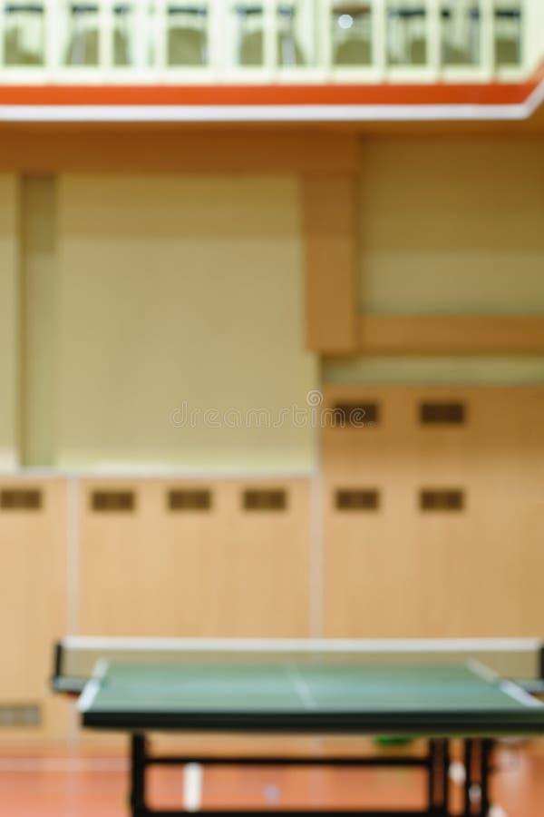 Tavole di tennis in palestra fotografie stock libere da diritti