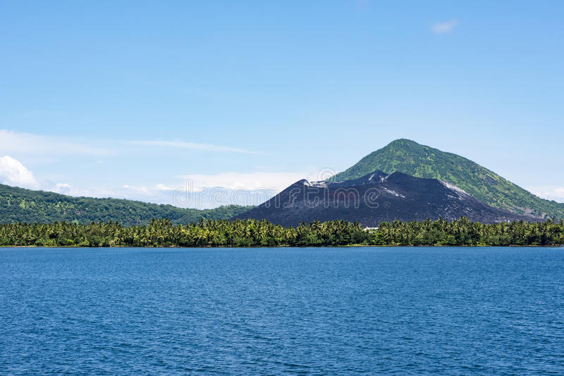 Tavuvur火山,腊包尔,巴布亚新几内亚 库存图片