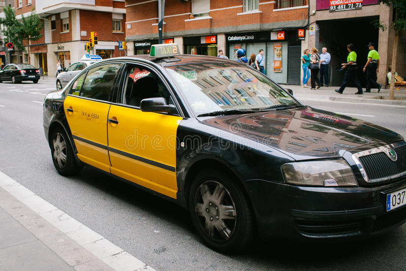 Taxa i Barcelona arkivbilder