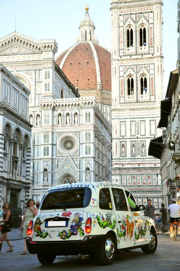 Taxa i den Florence staden, Italien royaltyfri bild
