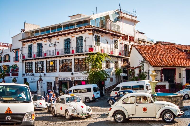 Taxco, Мексика - 9-ое ноября 2010 Улица известного мексиканского touristic города стоковое изображение