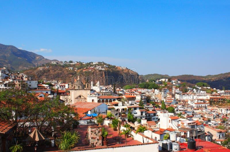 Taxco de阿拉尔孔市,墨西哥Arieal视图  库存图片