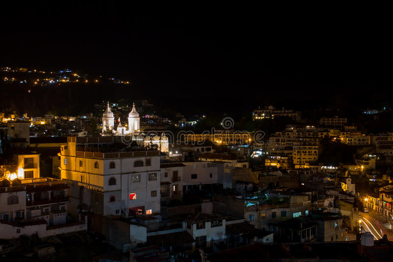 Taxco Häuser und Kirche lizenzfreie stockfotos