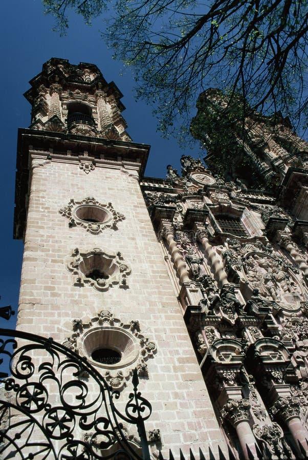 Taxco Kathedrale lizenzfreie stockbilder