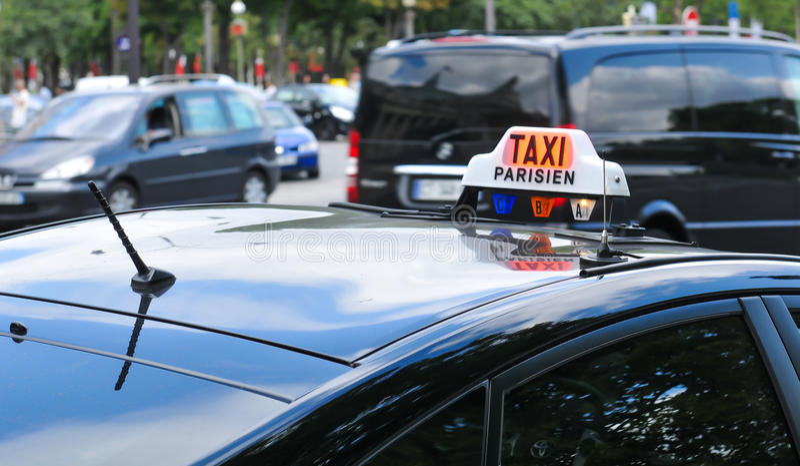 Taxi à Paris images libres de droits