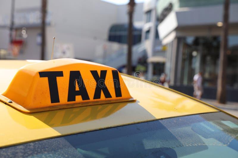 Taxi amarillo en LA imagenes de archivo