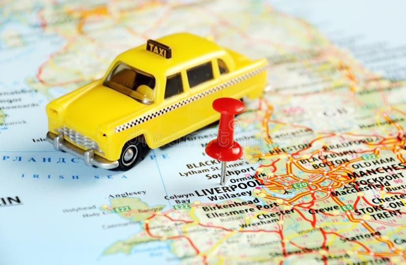 Taxi BRITANNIQUE de carte de Liverpool photos libres de droits