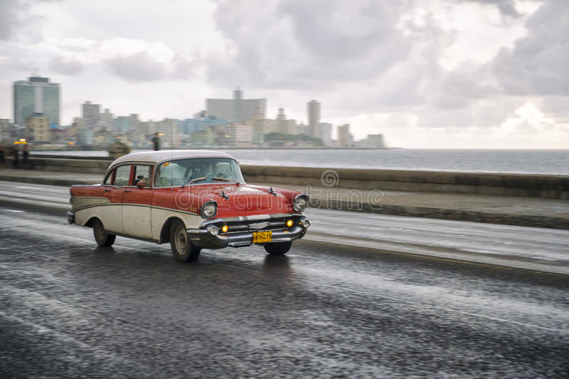 Taxi démodé Havana Cuba de la voiture 50s photos stock