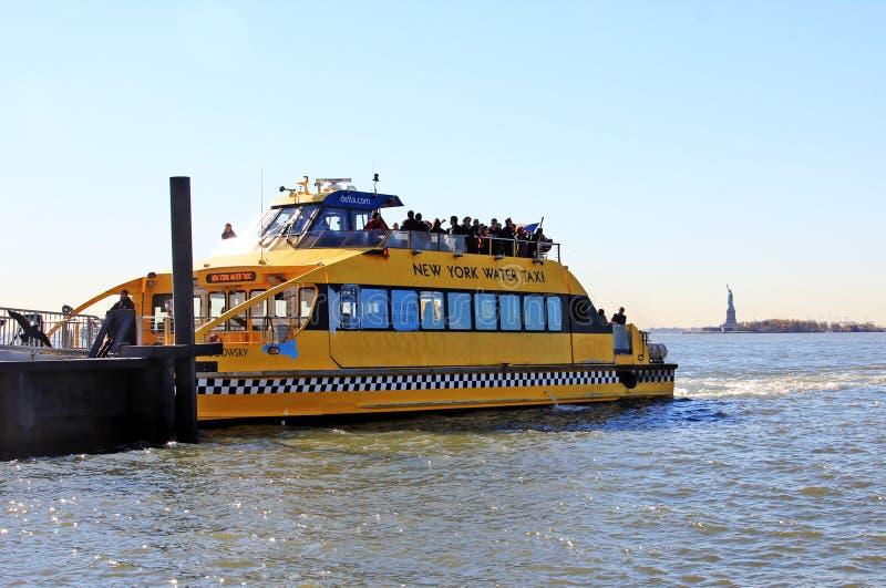 Taxi de l'eau de NY image stock