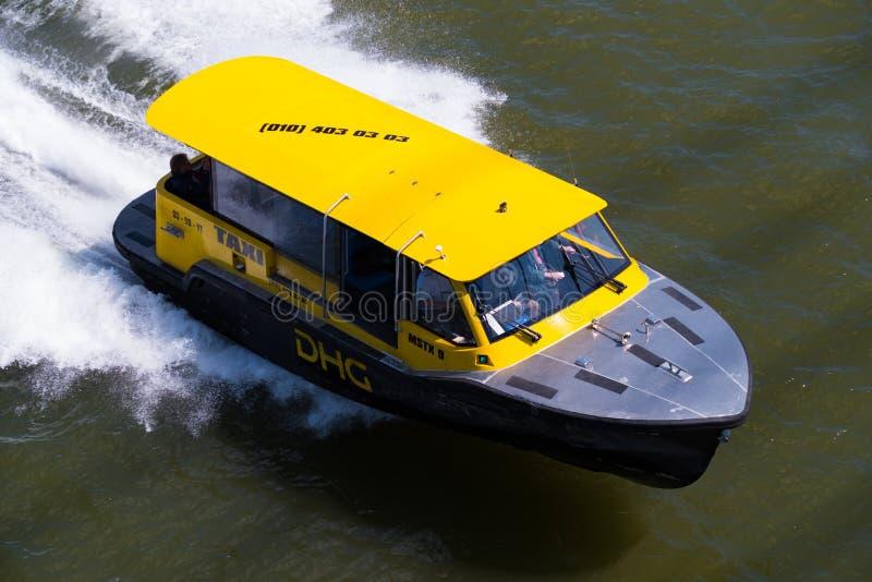 Taxi de l'eau de Rotterdam image libre de droits