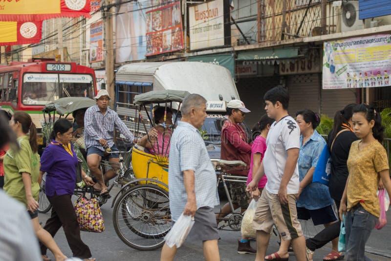 TAXI DE LA BICICLETA DE ASIA TAILANDIA BANGKOK NOTHABURI TRANSORT imágenes de archivo libres de regalías