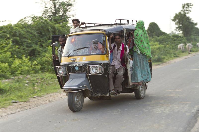 Taxi de la sobrecarga foto de archivo
