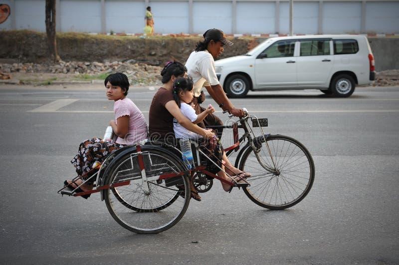 Taxi de pousse-pousse de cycle photographie stock libre de droits