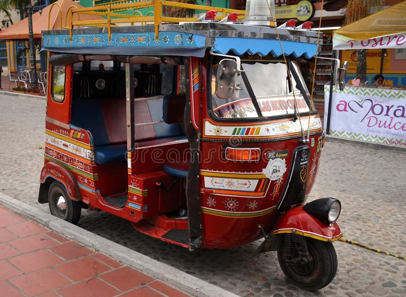 Taxi del moto de Chiva - Chivitaxi foto de archivo