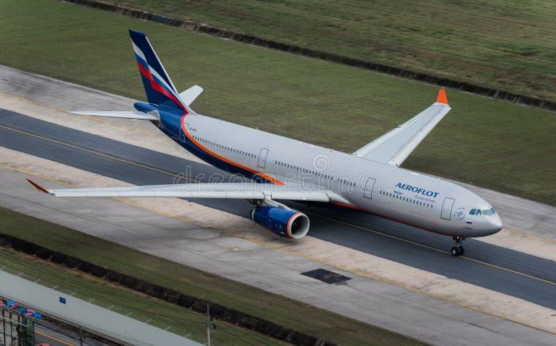 Taxi della via aerea di Aeroflot all'aeroporto i di Phuket fotografia stock libera da diritti