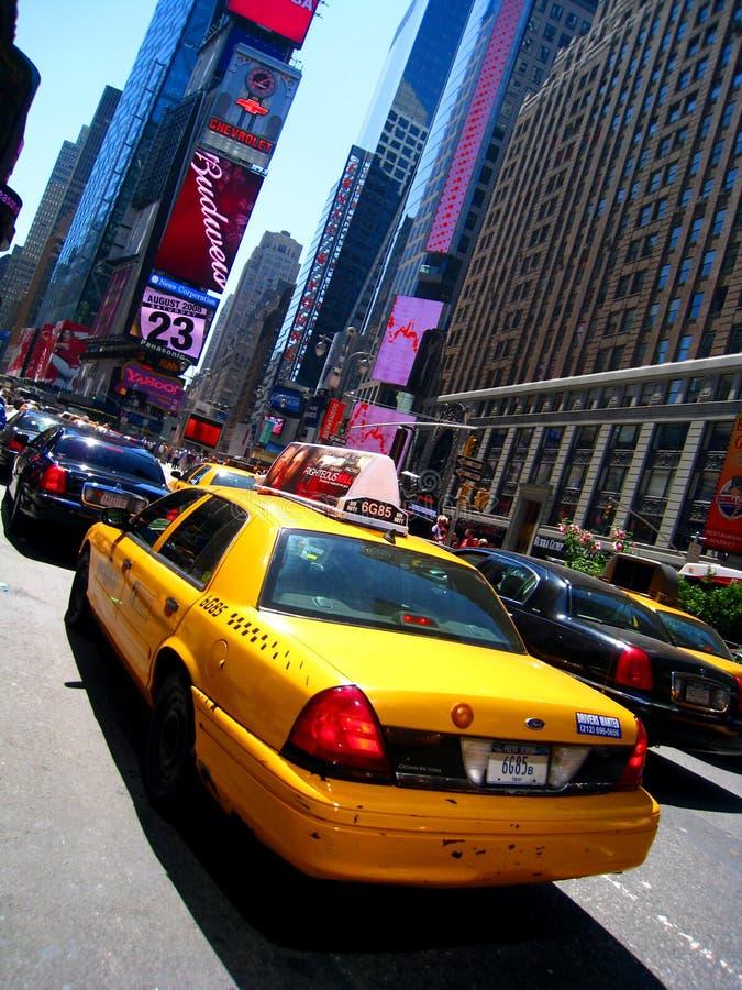 Taxi en Times Square imagen de archivo libre de regalías