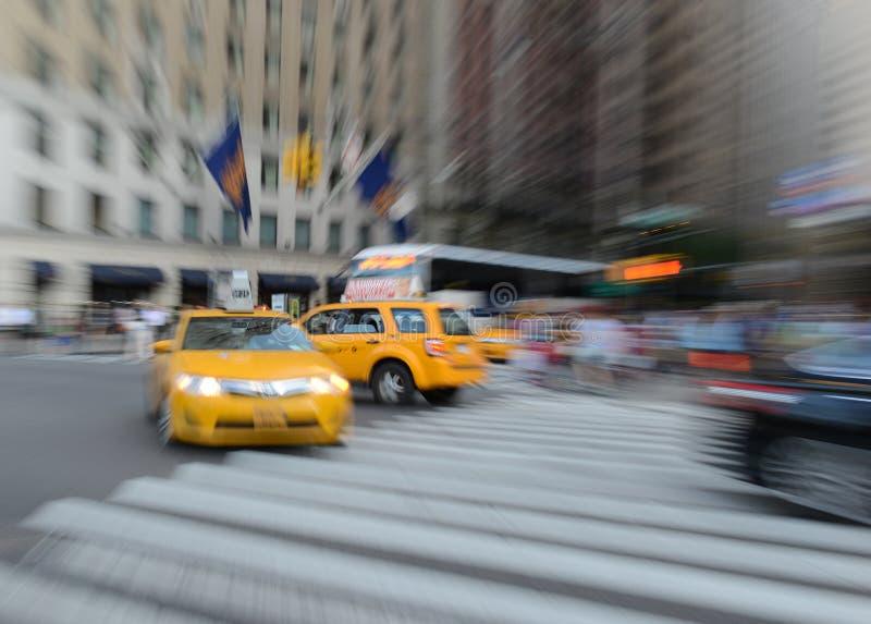 Taxi espressamente vaghi in NYC immagine stock