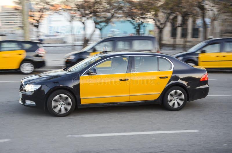 Taxi i Barcelona, Spanien royaltyfri foto