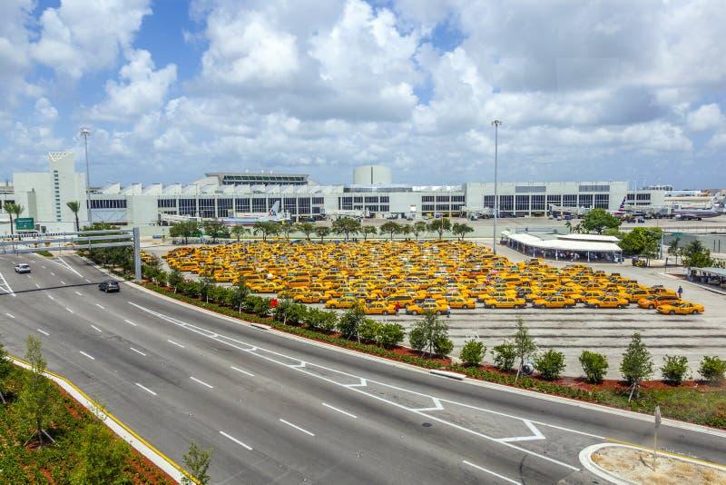 Taxi kategoria przy Miami lotniskiem międzynarodowym fotografia stock