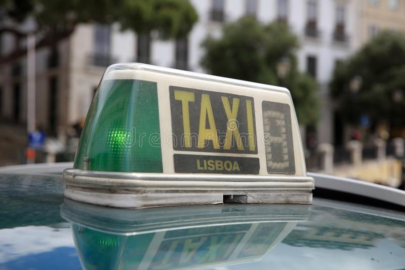 Taxi in Lissabon portugal europa stock foto's