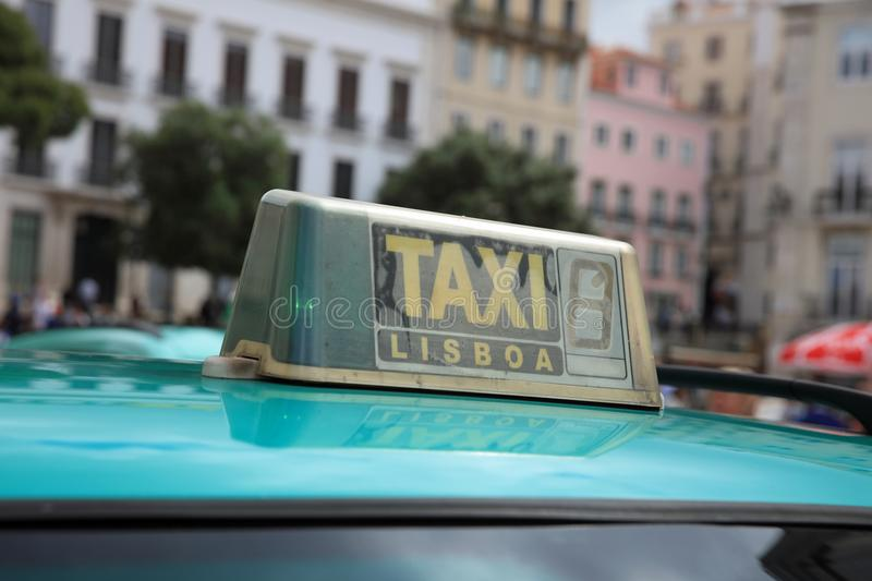 Taxi in Lissabon portugal europa stock afbeeldingen