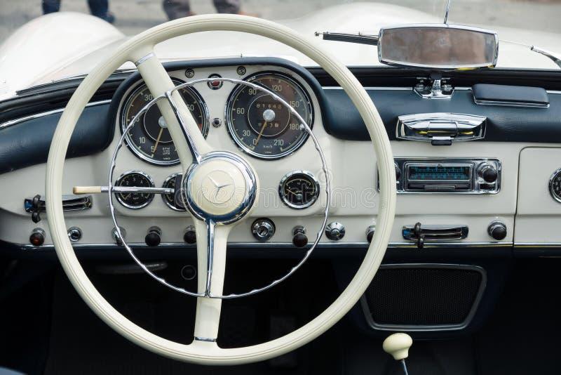 Taxi Mercedes-Benz 190SL imagenes de archivo