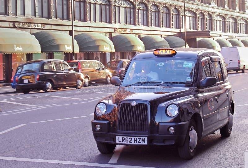Taxi negro Knighstbridge fotos de archivo