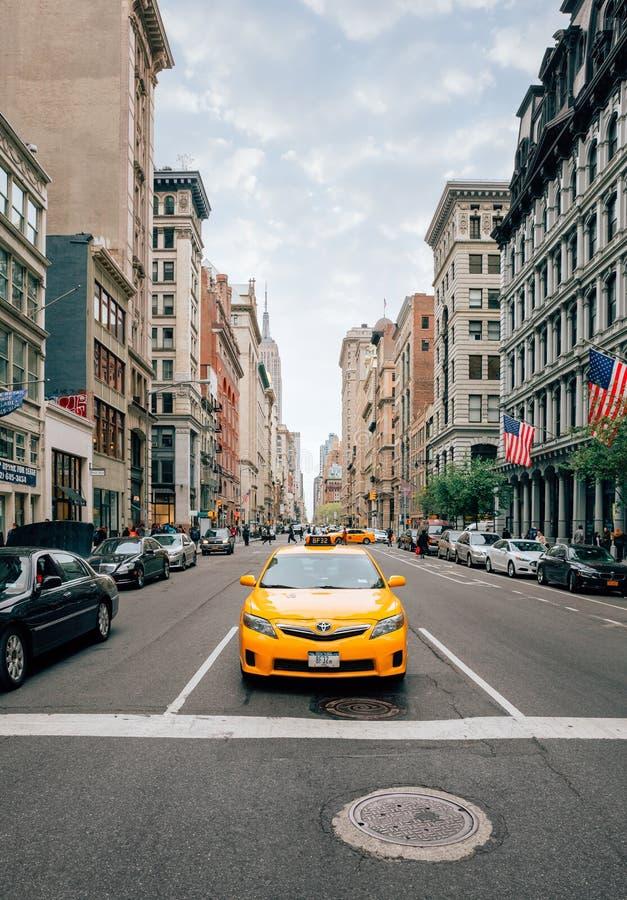 Taxi sur les rues de Manhattan photographie stock