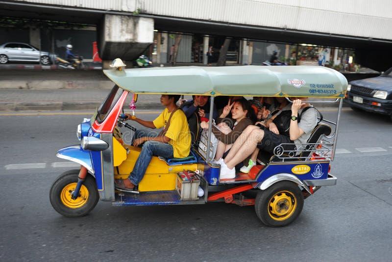 taxi tuk tuk in bangkok redaktionelles stockfoto bild von. Black Bedroom Furniture Sets. Home Design Ideas