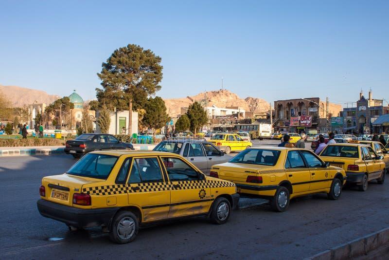 Taxi väntar på kunder royaltyfri bild