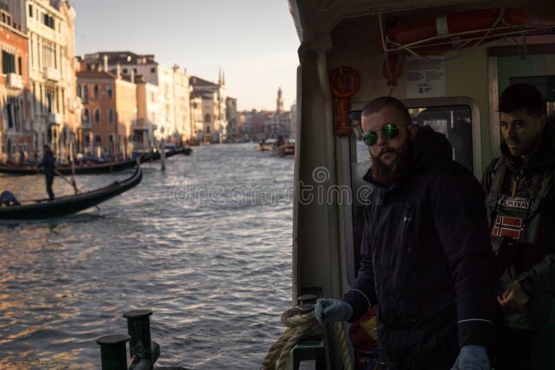 Taxiboatman Venetië Italië Europa royalty-vrije stock foto's
