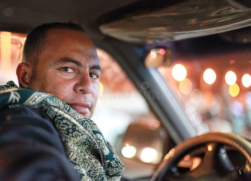 Download Taxichaufför redaktionell arkivbild. Bild av muslim, turist - 37349537