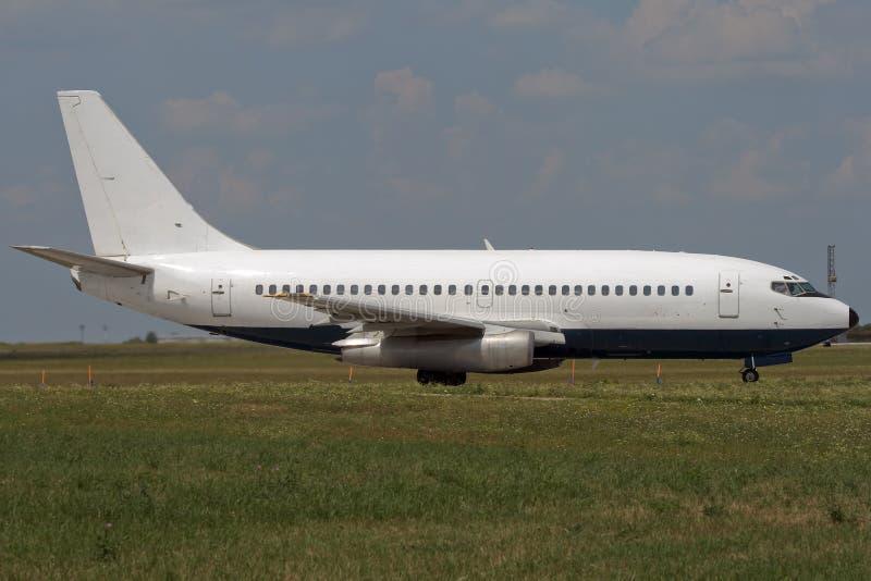 taxiing för flygplanstråle arkivbild