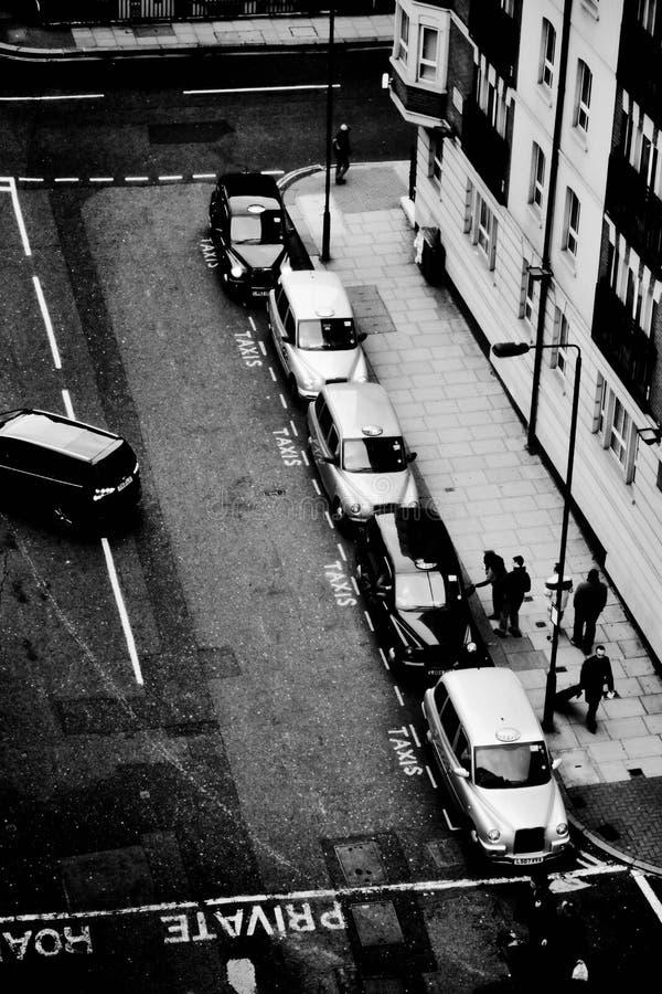 Taxiparking en Londres, Inglaterra foto de archivo