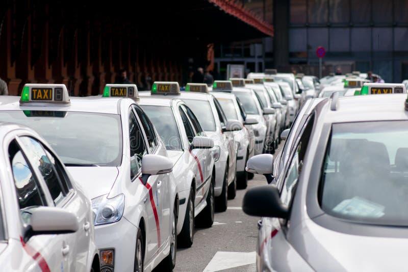Taxirang i Madrid arkivfoton